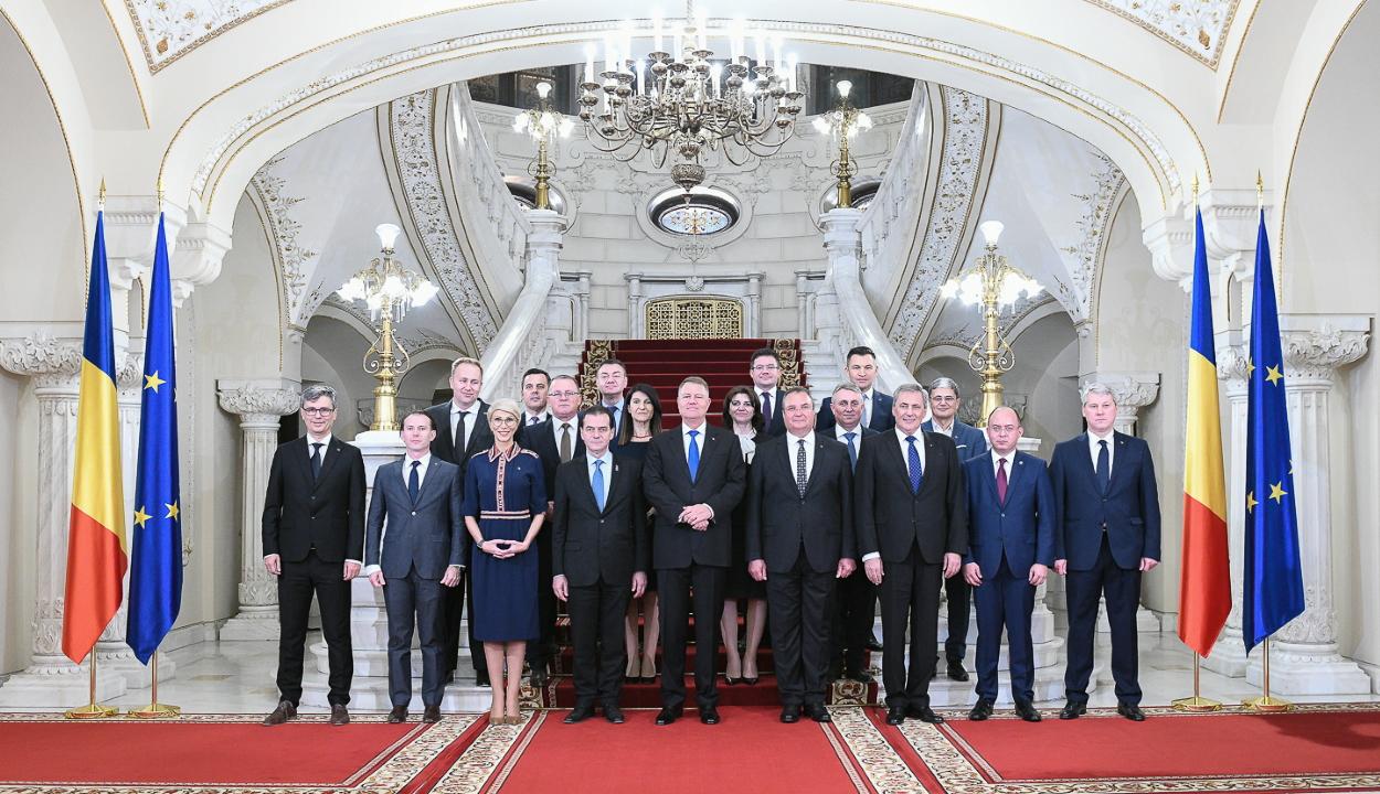 Letette a hivatali esküt a Ludovic Orban vezette új kormány