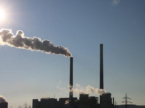 Újabb csúcson a széndioxid szint