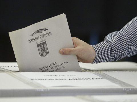Államelnök-választás: magas részvételi arány mind az országban, mind külföldön