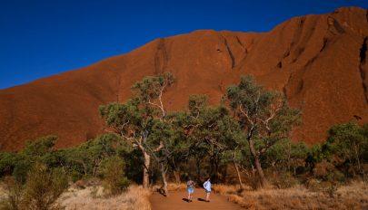 FRISSÍTVE: Megmenekült egy 12 napra az ausztrál pusztaságban rekedt nő