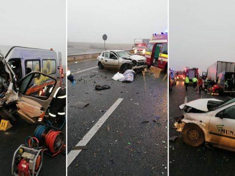 Súlyos baleset az A1-es autópályán: egy személy meghalt, hatan a roncsok közé szorultak