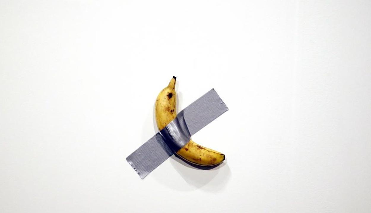 Megette a kiállítás 120 ezer dollárt érő banánját egy látogató
