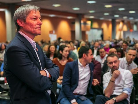 Újraválasztották Dacian Cioloșt a PLUS elnöki tisztségébe