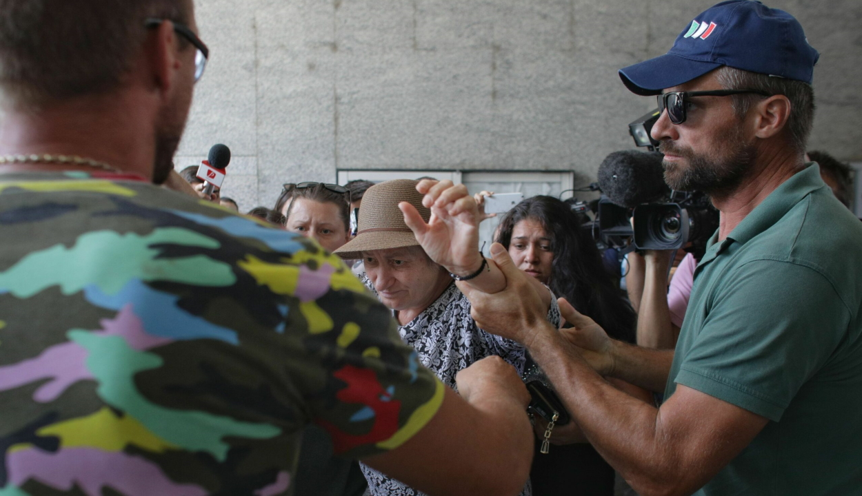 Hatósági felügyelet alá került a caracali rém fia
