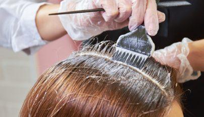 Mellrákot okozhat a hajfestés