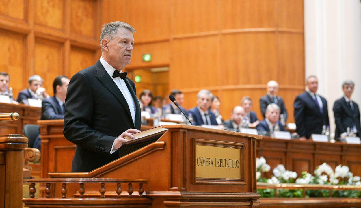 Letette a hivatali esküt Klaus Johannis államfő