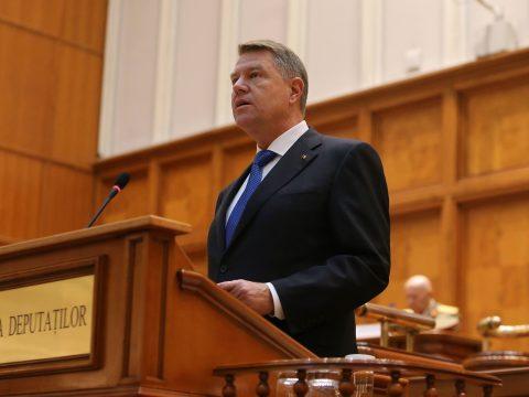 December 21-én, ünnepi plénumon teszi le az elnöki esküt Klaus Johannis
