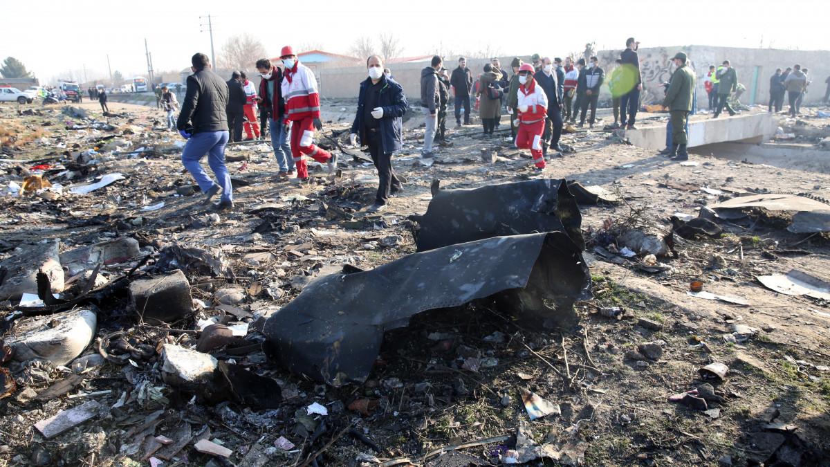 Még a levegőben kigyulladhatott a lezuhant ukrán gép