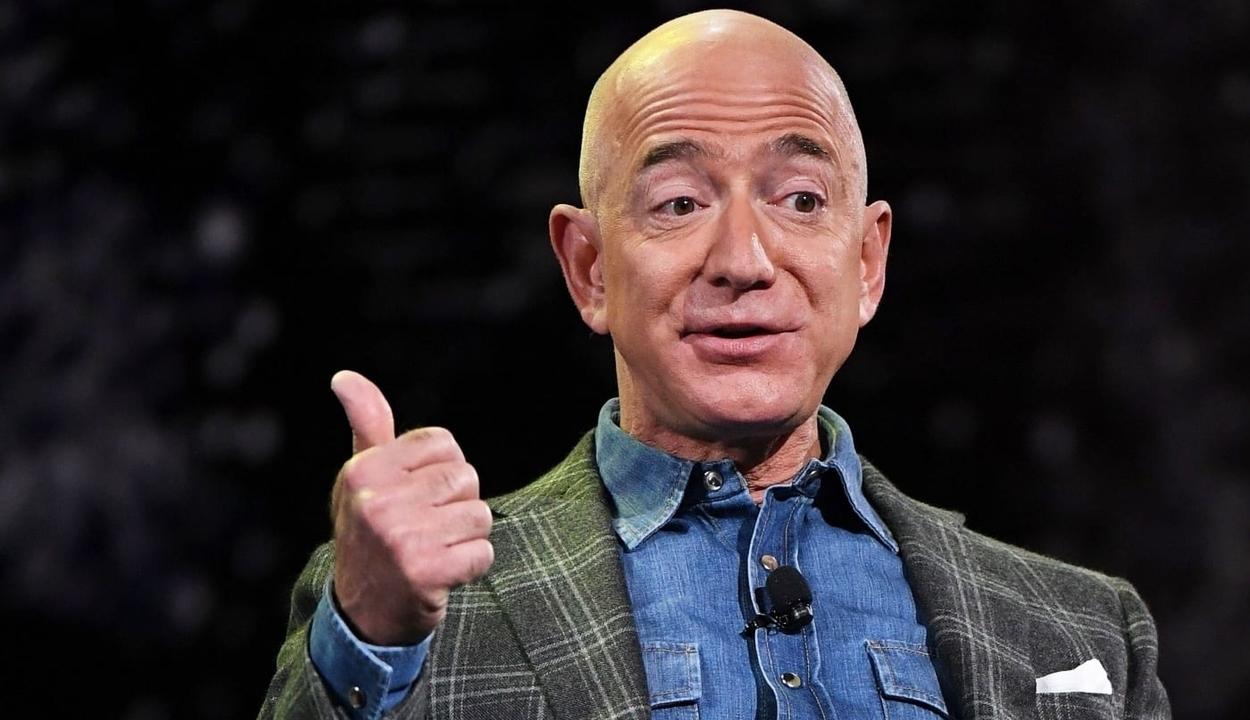 Megint az Amazon alapítója lett a világ leggazdagabb embere