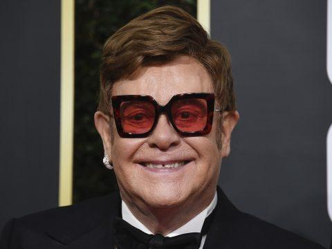 Egymillió dollárt ajánlott fel Elton John az ausztrál tűzvész elleni alapnak