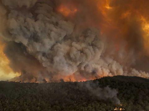 Az ausztráliai tűzvész eddig annyi szén-dioxidot bocsátott a légkörbe, mint 116 ország egész évben