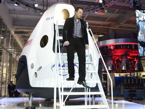 Hamarosan embert küld az űrbe Elon Musk