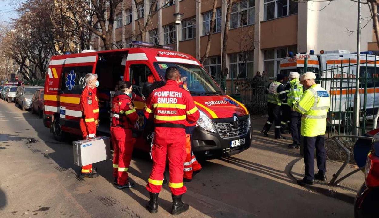 FRISSÍTVE: Evakuáltak egy bukaresti iskolát, miután több diák rosszullétre panaszkodott