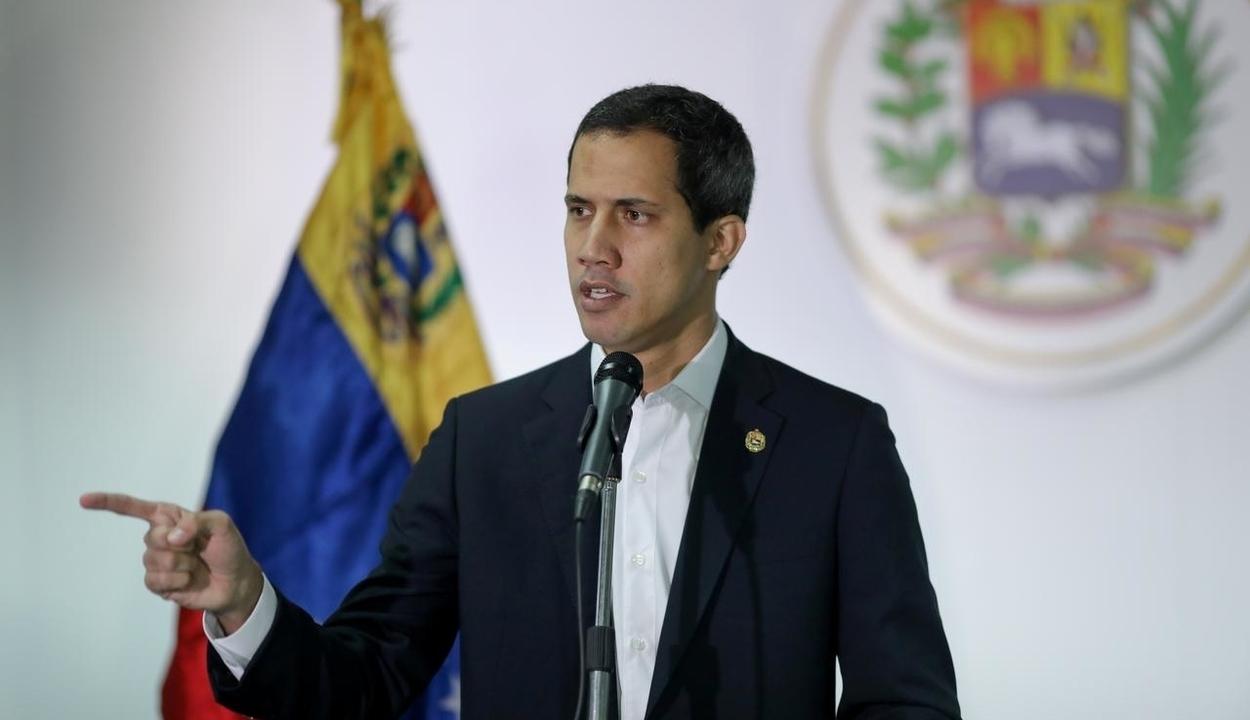 Brüsszelben kért további támogatást Juan Guaidó