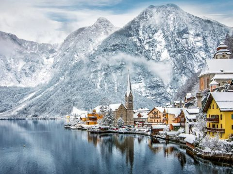 Turistahadak fojtogatják a Jégvarázs történetét ihlető osztrák falut