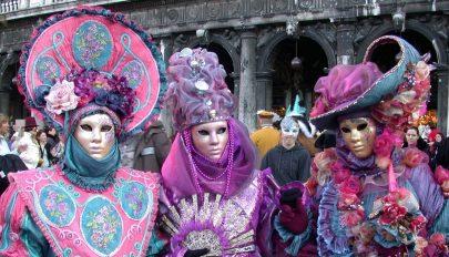 Megszámolják a velencei karnevál résztvevőit