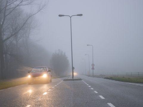Köd nehezíti a közlekedést az ország több megyéjében