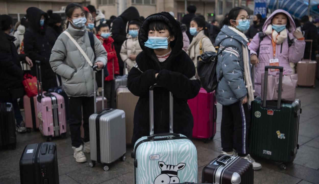 Majdnem megduplázódott az új koronavírusban elhunytak száma Kínában