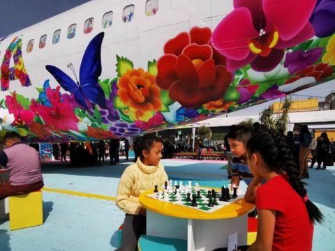 Repülőből alakítottak ki ifjúsági könyvtárat Mexikóvárosban
