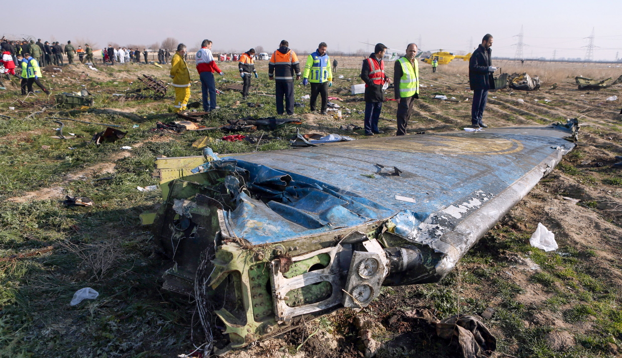 Egy új videó szerint két rakétát lőtt ki Irán az ukrán repülőgépre