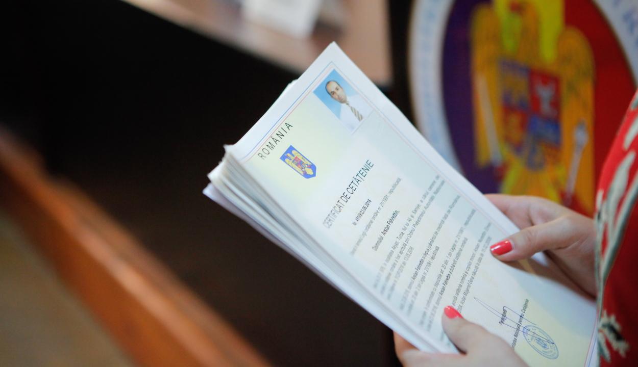 A főügyészség vizsgálja több ezer orosz kedvezményes romániai honosításának körülményeit