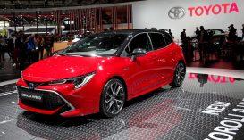 Halálesetek után több millió autót hív vissza a Honda és a Toyota