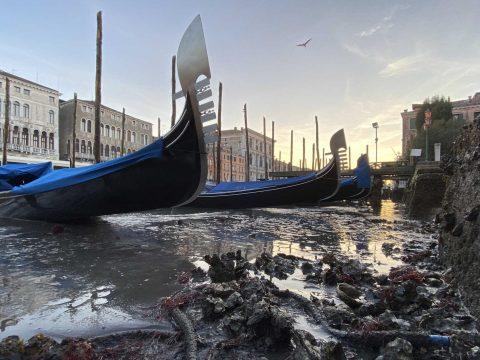 Árvíz után alacsony vízállás sújtja az olaszországi Velencét