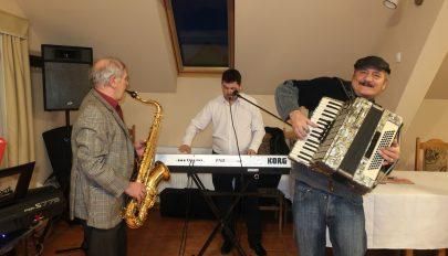 Zenésztalálkozó Baróton