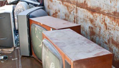 Repül a régi tévé