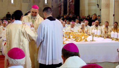 Felszentelték az új püspököt