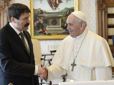 Áder János magyarországi látogatásra hívta meg Ferenc pápát