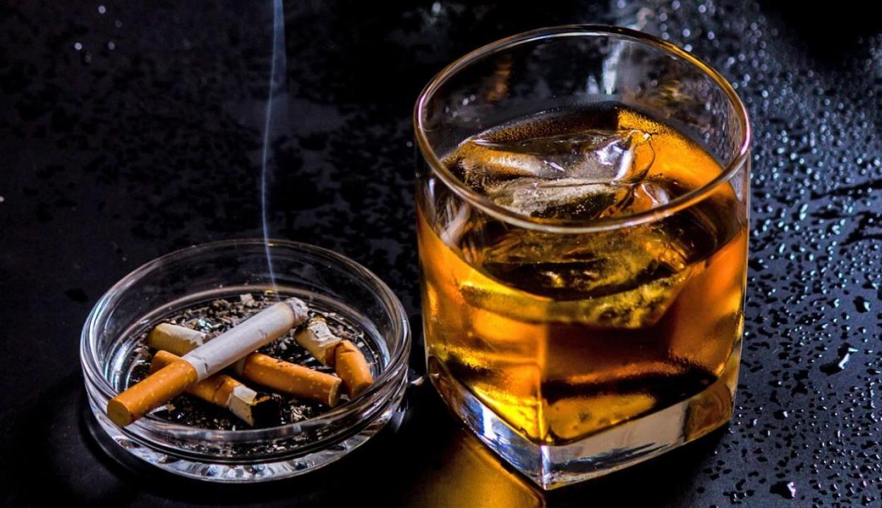 Gyorsítja az agy öregedését a rendszeres alkohol- és dohányfogyasztás