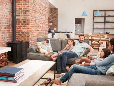 A szülők a szükségállapotot követő időszakban is vehetnek ki szabadnapot gyerekeik felügyeletére