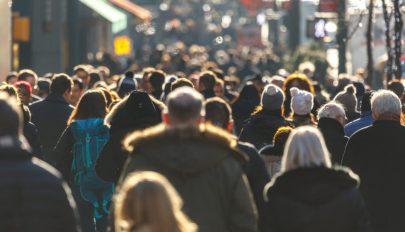 Felmérés: a lakosság 77%-a úgy véli, hogy újra kell nyitni február 8-án az iskolákat