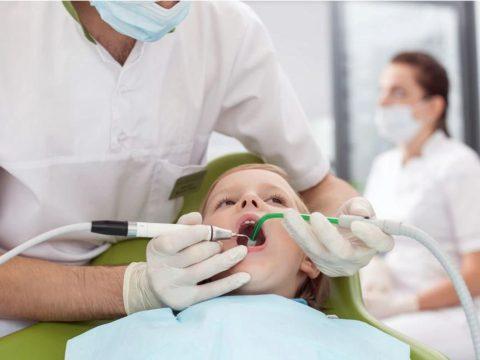 Meghalt a négyéves kisfiú, aki kómába esett a fogászati altatás után
