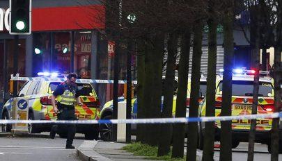 Késeléses támadás történt Londonban, a támadót lelőtték