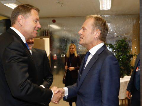 Az államfő kitüntette Donald Tuskot, az Európai Tanács volt elnökét