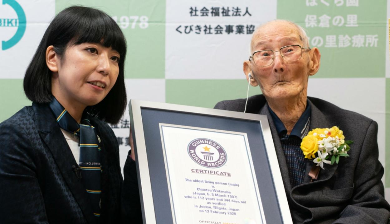 A világ legöregebb férfija elárulta hosszú élete titkát