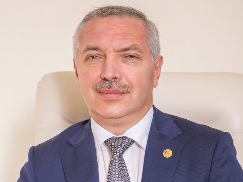 MOGYE: harmadik rektori mandátumát kezdheti meg Leonard Azamfirei