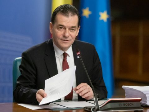 A kormány lemondott a közalkalmazottak kényszerszabadságra küldéséről