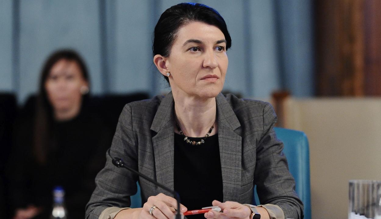 Munkaügyi miniszter: alig csökkent az alkalmazottak száma januárhoz képest