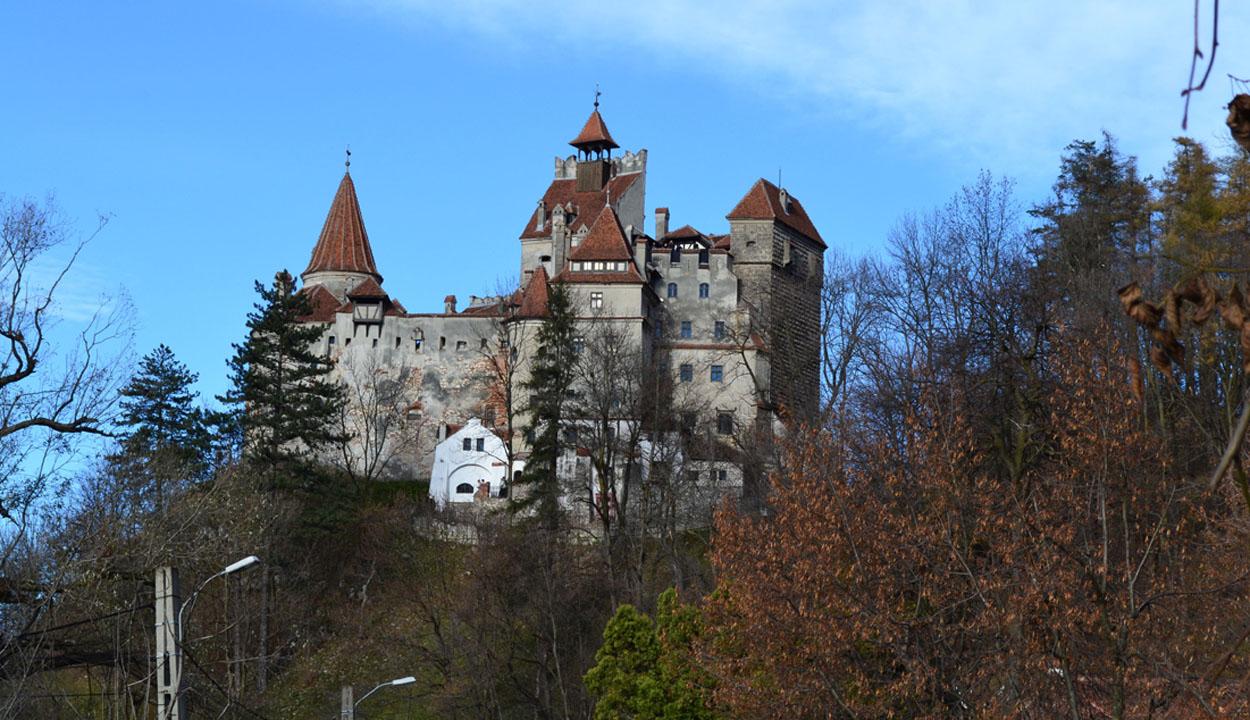 Drakula fészke Erdélyben (1.) –  I. fejezet: A kastély