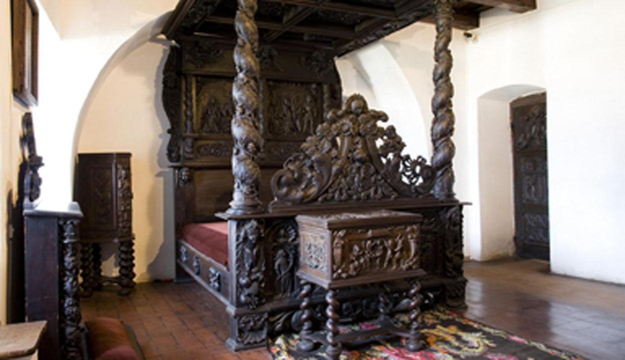 Drakula fészke Erdélyben (2.) – I. fejezet: A kastély (II.)