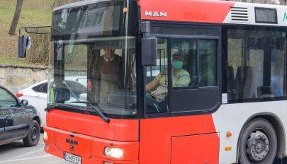 Laptoptáskát lopott a buszon