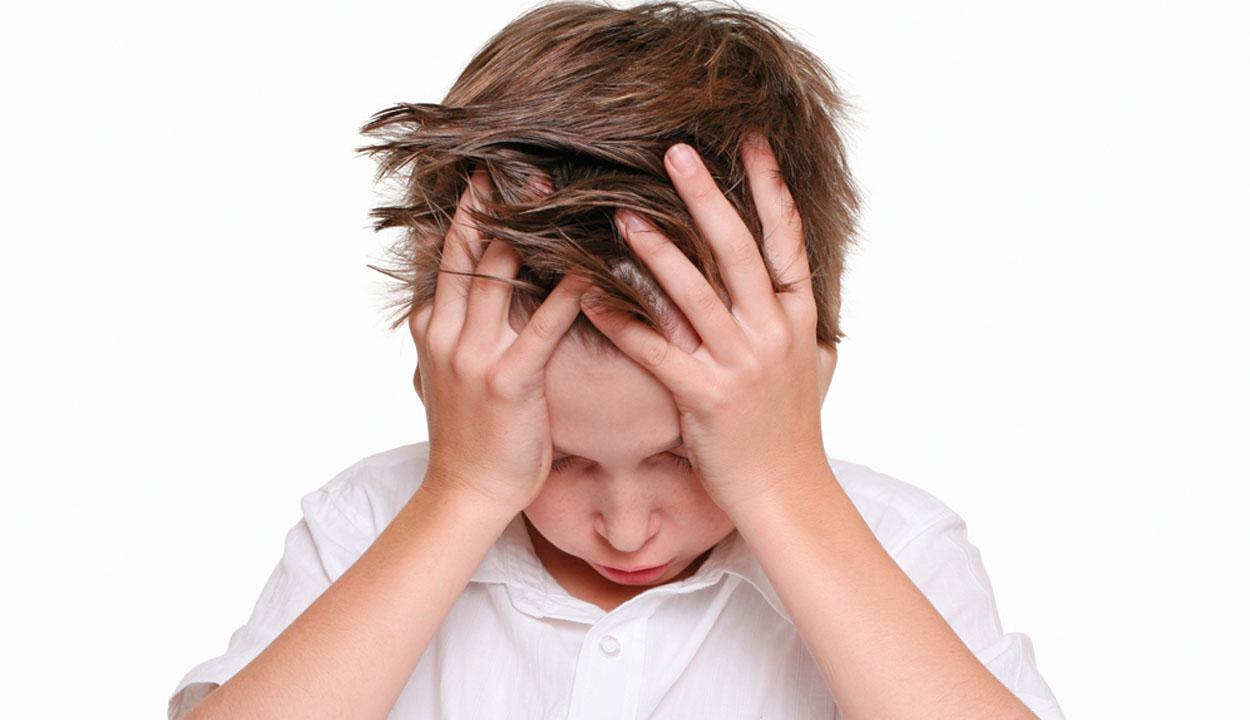 Túl sok stressz éri a gyerekeket