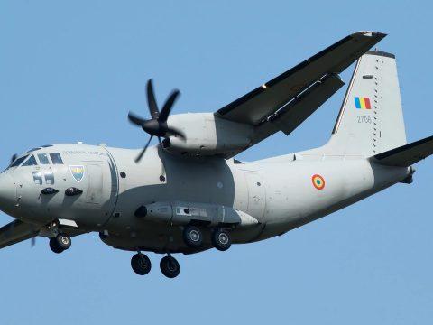 Katonai repülővel hoztak haza nyolc, Olaszországban rekedt román állampolgárt