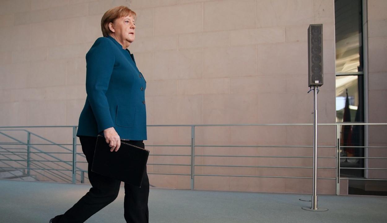 Házi karanténba vonul Angela Merkel