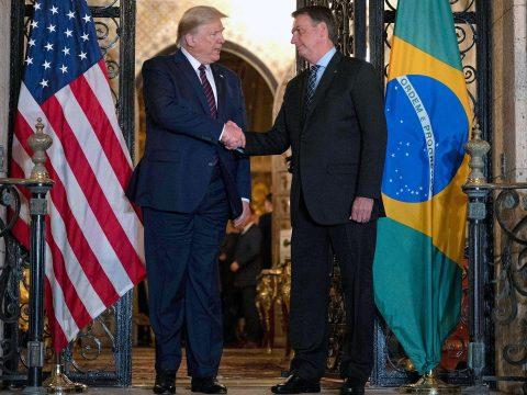 Koronavírusos Brazília elnöke, akivel Donald Trump pár napja találkozott