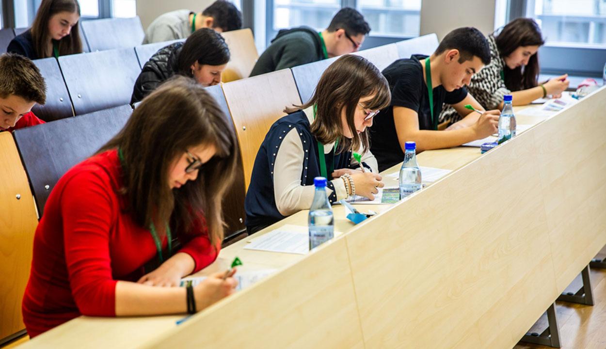 Csernátoni diákot is díjaztak