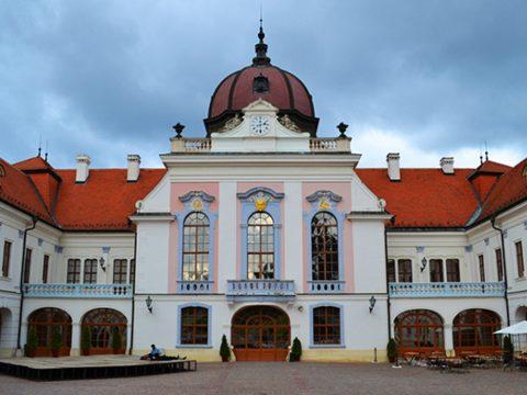 Költözés Gödöllőre, Sissi kedvenc városába